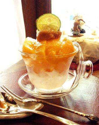 『喫茶去 一芯二葉(きっさこ いっしんによう)』の黄金桃のコンポート