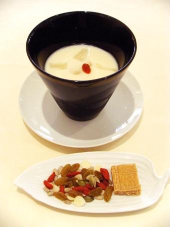 『茶語(チャユ)』の杏仁豆腐
