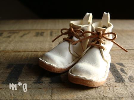 short bootsシロ
