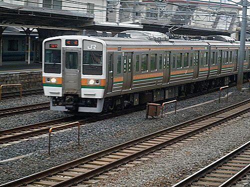 211系(2012年4月24日・東十条)
