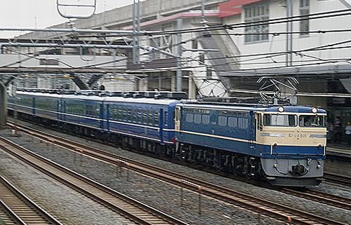 EF65 501+12系回送列車(2012年4月24日・東十条)1