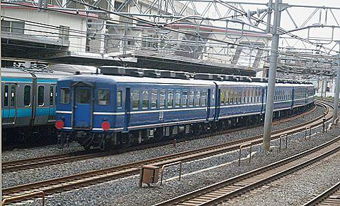 EF65 501+12系回送列車(2012年4月24日・東十条)2