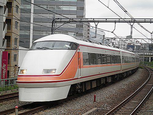 東武100系「スペーシア」品川への回送(2012年4月30日・五反田)