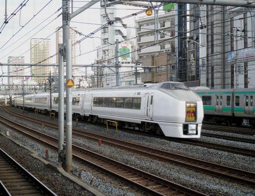 651系「スーパーひたち」(2012年5月12日・鶯谷)