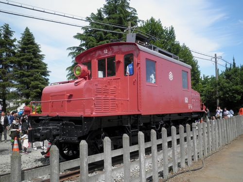 西武鉄道E12号電気機関車(2012年5月13日・保谷)1