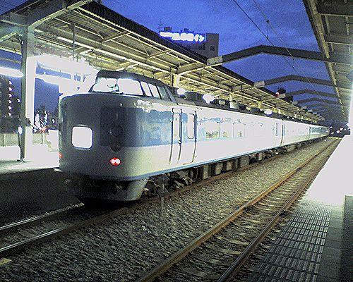 千マリ183系修学旅行列車回送中(2008年7月10日・南武線武蔵中原)