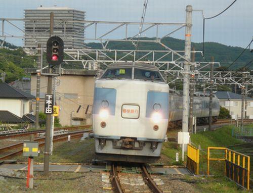 183系修学旅行列車・御殿場線入線(2012年6月9日・松田)1