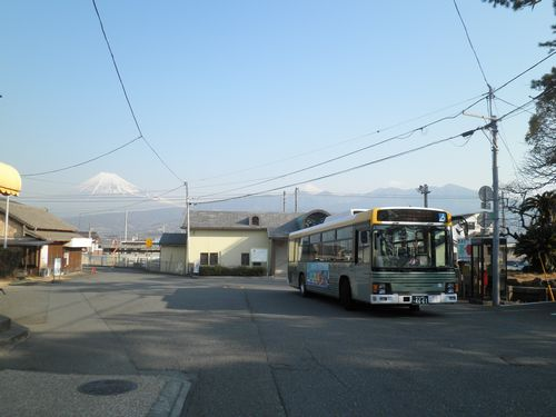 東海道本線東田子の浦駅(2012年2月22日)