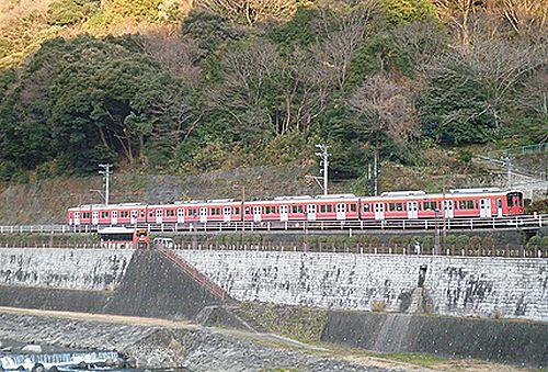 赤い小田急1000形(2012年1月8日・入生田~箱根湯本間)
