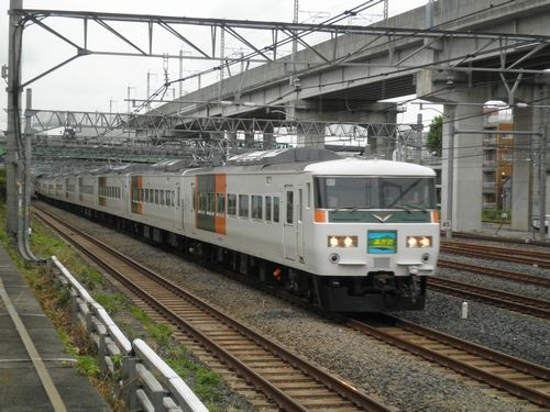 東チタ185系A1編成・特急「あかぎ2号」(2012年8月6日・東十条)