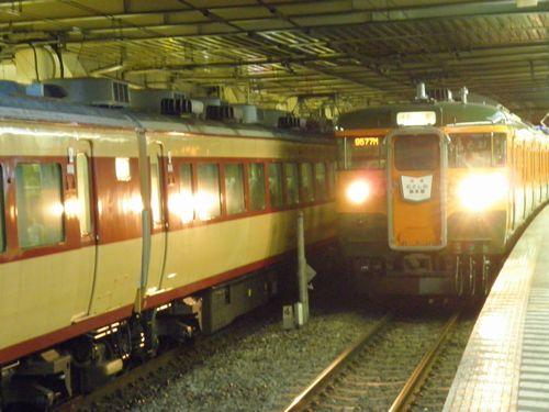 高タカ115系「むさしの奥多摩号」(2012年8月12日・立川)2