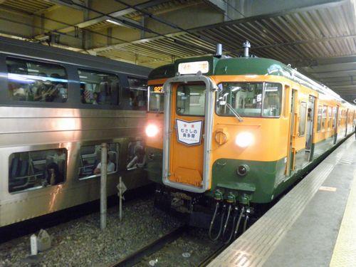 高タカ115系「むさしの奥多摩号」(2012年8月12日・立川)1