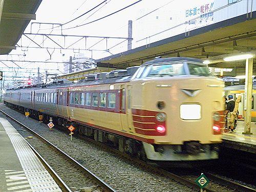 宮オオ183系「かいじ180号」(2012年8月12日・立川)