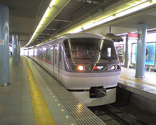 西武新宿線特急「小江戸」(2010年8月8日・本川越駅)