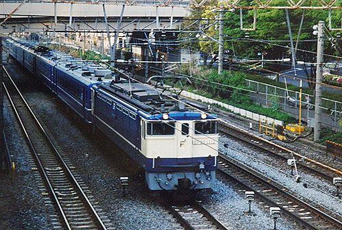 EF65 1113[田]+14系(東オク)「東京おぢば号」(2001年8月27日・大井町~大森間)