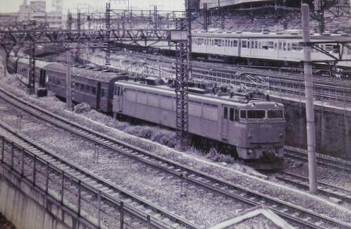 EF80形牽引の常磐線客車列車(1975年頃?上野~鶯谷間)