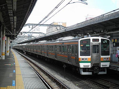 高タカ211系(2012年9月1日・赤羽駅)