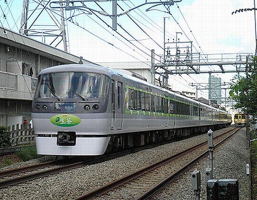 西武10000系・10103F広告車体(2012年9月17日・大泉学園~保谷間)