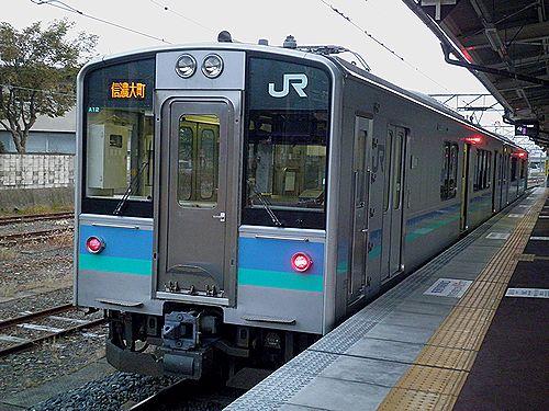 長モトE127系「A12」編成(2011年10月11日・信濃大町駅)