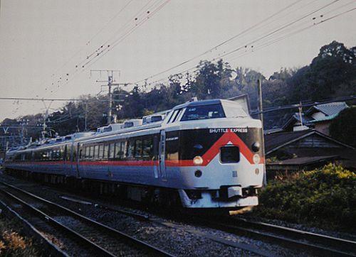 クロハ481-1501(水カツ)(「ビバあいづ」塗装時代・2004年1月・北鎌倉~鎌倉間)