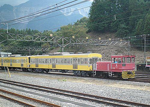 西武鉄道D16入換作業(2012年9月30日・横瀬車両基地)