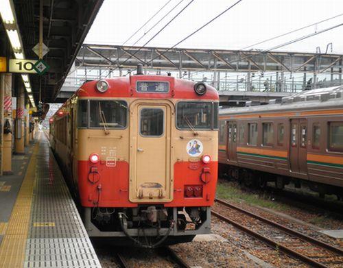 キハ40 1007(宮ミヤ)(宇都宮駅・2012年10月6日)