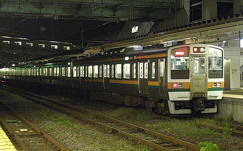 高タカ211系(黒磯駅・2012年10月6日)