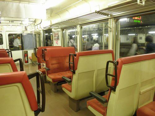 仙セン719系車内(2012年10月6日)