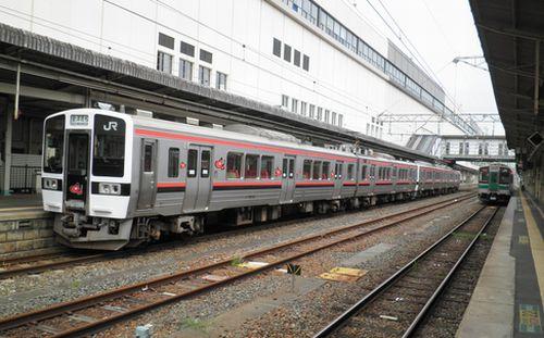 仙セン719系磐越西線仕様編成(郡山駅・2012年10月6日)