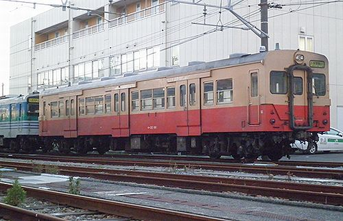 キハ30 98(千マリ)(木更津駅・2012年12月1日)