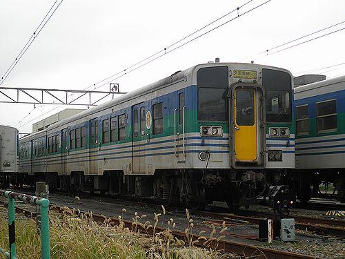 キハ38 1001(千マリ)(木更津駅・2012年12月1日)