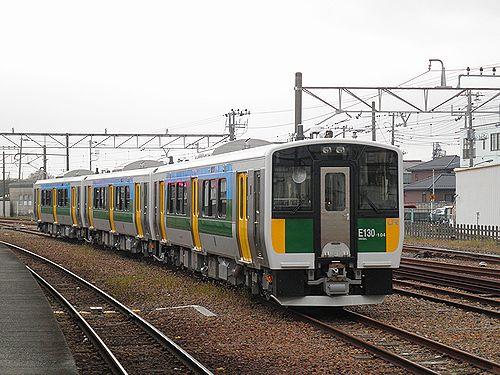 キハE130-104他3連(千マリ)(木更津駅・2012年12月1日)