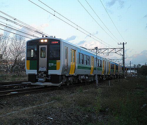 久留里線キハE130形(2012年12月8日・木更津駅構内)