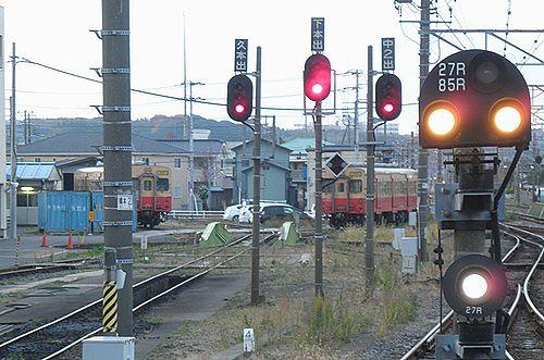 キハ30 62と98(千マリ)(2012年12月8日・木更津駅)