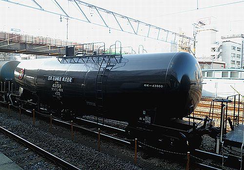 タキ43158(黒)(蘇我駅・2012年12月8日)