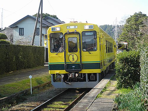 いすみ鉄道いすみ300形(2012年12月8日・西大原駅)
