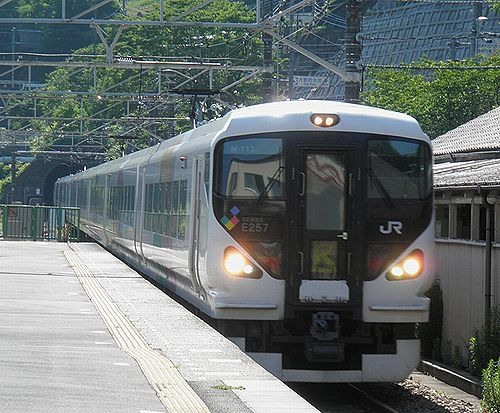 E257系特急「かいじ」(2012年6月26日・四方津駅)