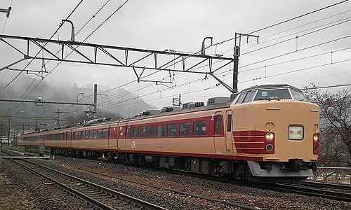 中央本線臨時快速9891M(宮オオ183系OM102編成・2012年12月29日・鳥沢駅)