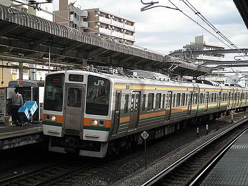 クモハ211-3036(高タカA36編成)(2012年12月31日・赤羽駅)