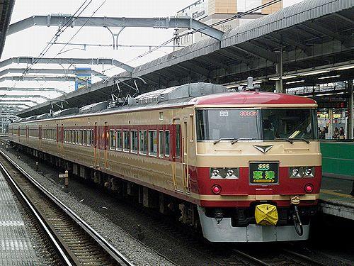 宮オオ185系OM08編成「草津83号」(2012年12月31日・赤羽駅)2