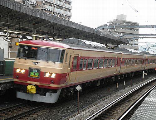 宮オオ185系OM08編成「草津83号」(2012年12月31日・赤羽駅)1