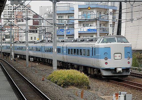 千マリ183系32編成「あずさ99号」(2012年12月31日・大久保駅)