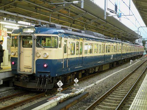 八トタ115系M4編成(2010年10月31日・新宿駅)