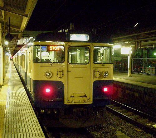 八トタ115系M8編成(2011年10月11日・塩山駅)