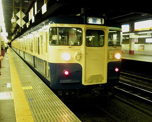八トタ115系M12編成(2011年7月27日・甲府駅)