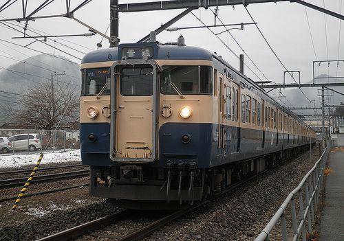 八トタ115系M11編成(2012年12月29日・鳥沢駅)