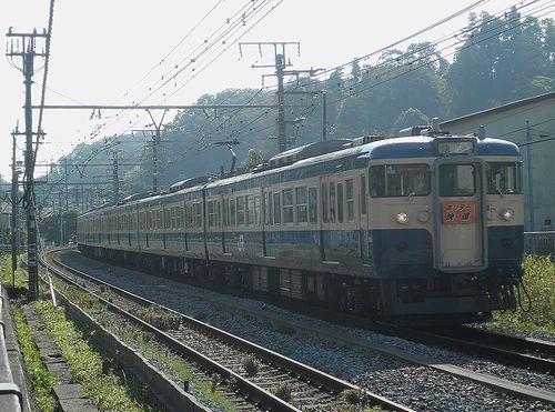 八トタ115系M40編成(2011年11月12日・横須賀線北鎌倉~鎌倉間)