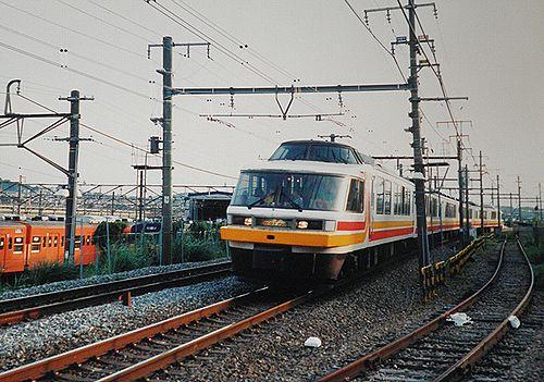 165系「パノラマエクスプレスアルプス」(2001年8月26日・豊田~八王子間)b