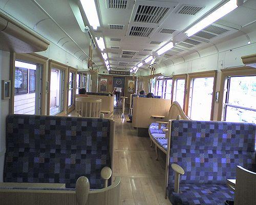 富士急行1200形・1305「富士登山電車・青富士」車内(2010年8月29日)