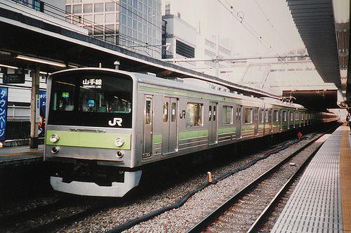 東ヤテ205系52編成(2004年8月11日・田町駅)